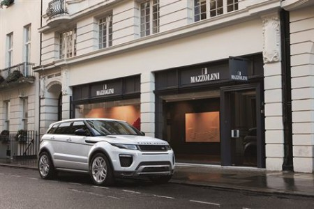 RR_16MY_Evoque_exterior__19__Poster