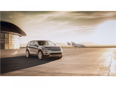 2015_Land_Rover_Discovery_Sport_4