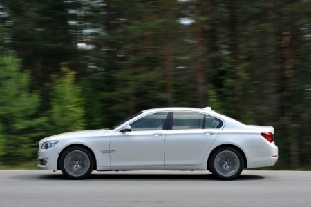 P90100114_lowRes_the-new-bmw-7-series
