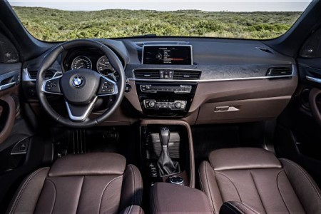 P90183676_lowRes_the-new-bmw-x1-xline