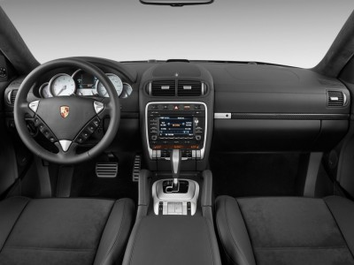 2010-porsche-cayenne-awd-4-door-turbo-s-dashboard_100253152_l