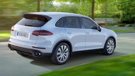 buyers_guide_-_porsche_cayenne_hybrid_2014_-_rear_quarter