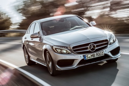 2015-Mercedes-Benz-C-Class-front-three-quarters-in-motion
