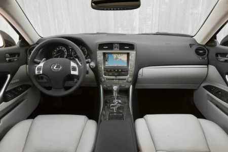 2011_Lexus_IS_350_013-prv