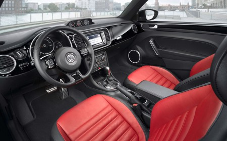 volkswagen-new-beetle-interior-11
